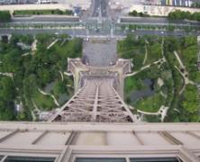 Kalapács alá kerül az Eiffel torony éttermének berendezése