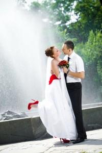 esküvő vörös pár