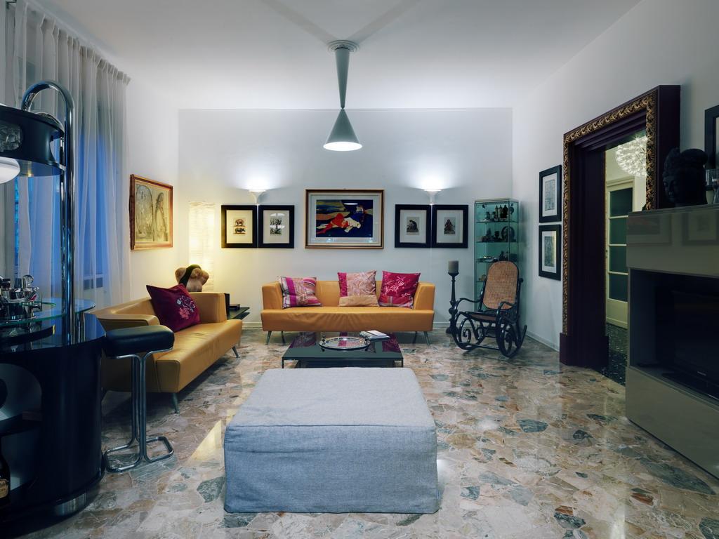 _Living Room (6)
