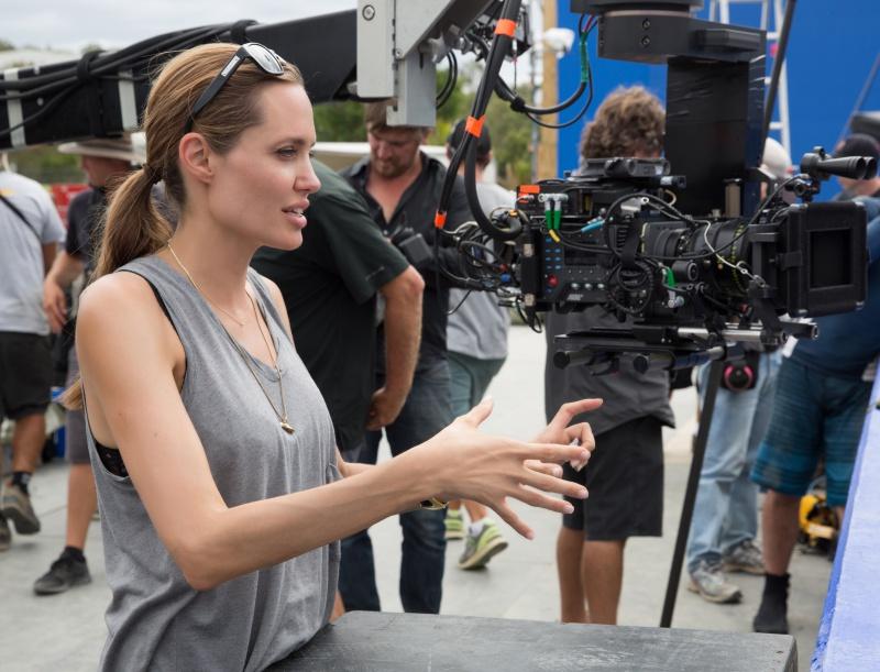 Angelina_Jolie-Rendíthetetlen-05