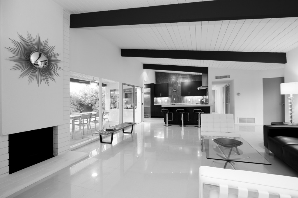 black-and-white-spanish-home-design