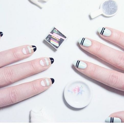 nails-2016-nail-art-trends-fall-2015-winter-negative-space-stripe-design-pattern-white-nude-ideas