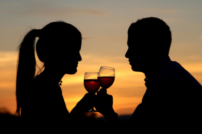 valentines-day-sunset-wine-couple-e1295471081282