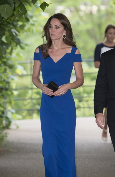 Britain's Catherine, Duchess of Cambridge, arrives to attend SportsAid's 40th anniversary dinner in London on June 9, 2016. The Duchess will meet SportsAid ambassadors and young athletes who will be competing in the Rio 2016 Olympics at a pre-dinner reception, as well as some of the charity's key supporters. / AFP / POOL / Eddie Mulholland (Photo credit should read EDDIE MULHOLLAND/AFP/Getty Images)