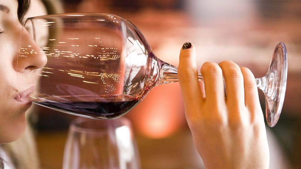 GTY_women_drinking_lpl_131016_16x9_992