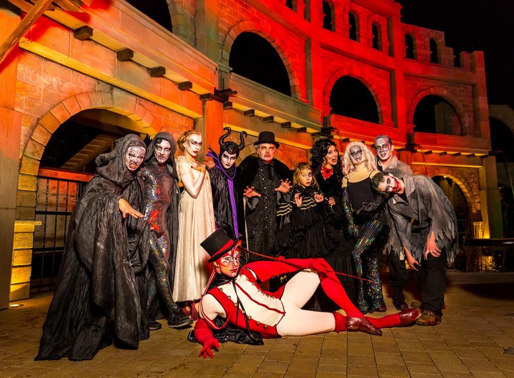 Halloween_Gruppe_mit_Fam_Mueller2_Hafenscher